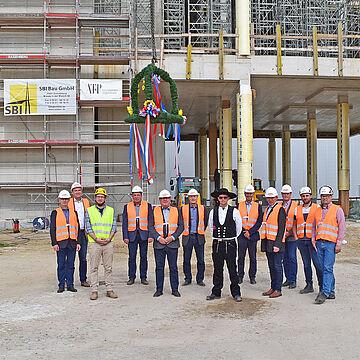 Richtfest für neues Sprühtrocknungswerk - Rohbauarbeiten fast abgeschlossen